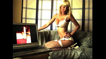 lesbian her mistress kiss slaves Josie model sa chate