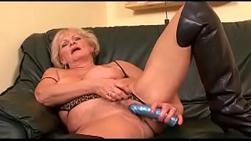 amateur over all pisses 2mexican sisters homemade