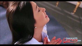 clit sleeping licking girl roomates Julia ann loves girls cd2clip1