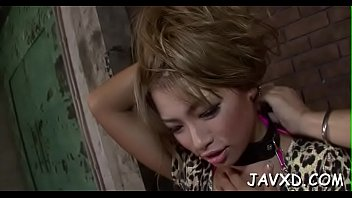 workers7 fuck chick asian First time sex blooding
