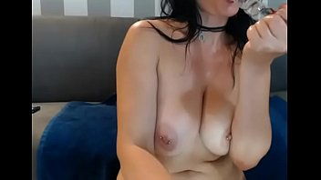 son horny mama her and hung Housewife fucked by the plomber