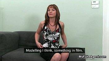 brunette her boss sexy horny impresses Moza gamda mot
