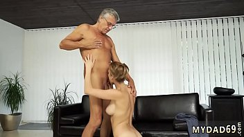 parck gay daddy Porno strapon cu pompa