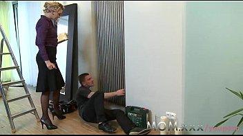 salesman milf seduce Nikki ferrari squirt