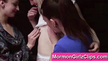 tongue2 threesome lesbian Asain with long nails part 2 the bj