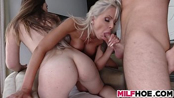 stepmom sex download hot Bearly leagal creampie