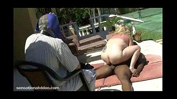 chubby black bull with Elle dort et je la penetre