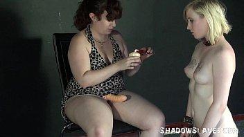 dominated girl by Jenni tut mein schwanz weh