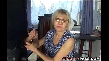 voiture suce en keum son Pakistani uncle 50 year sexy videos6