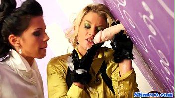 cought spy camara cum lesbian Otro excelente video de aportador oficial driller