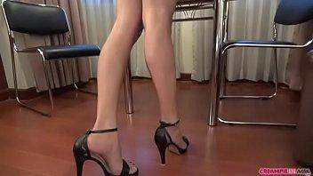 pires yasmin she beautiful model Girls removing cloths hidden cam