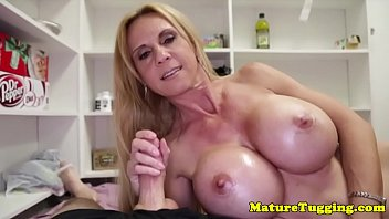 cumming vibrator cock with Kelly wells payton