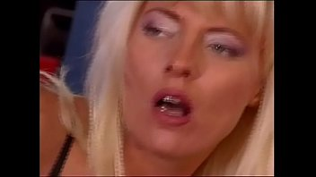 girl anal passed out gets Man fingered pussy til orgasm